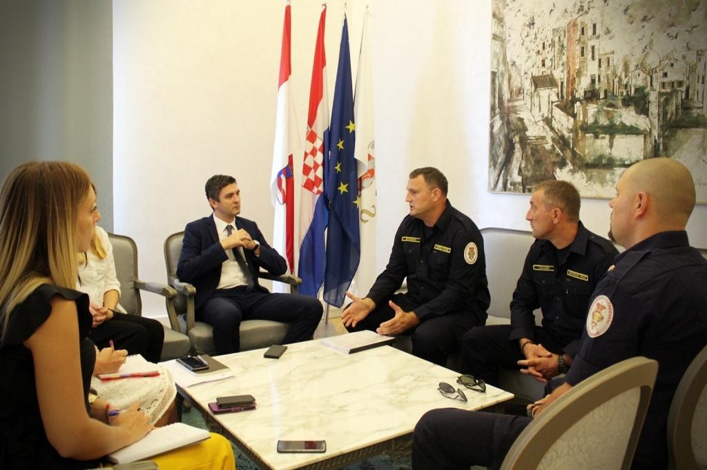 Novi kolektivni ugovor dubrovačkim vatrogascima omogućuje veća prava